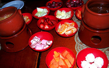 KID FRIENDLY FONDUE – MAKE YOUR MEAL SPECIAL